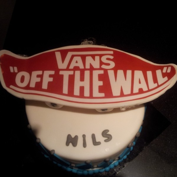 vans off the wall taart (foto van klant)