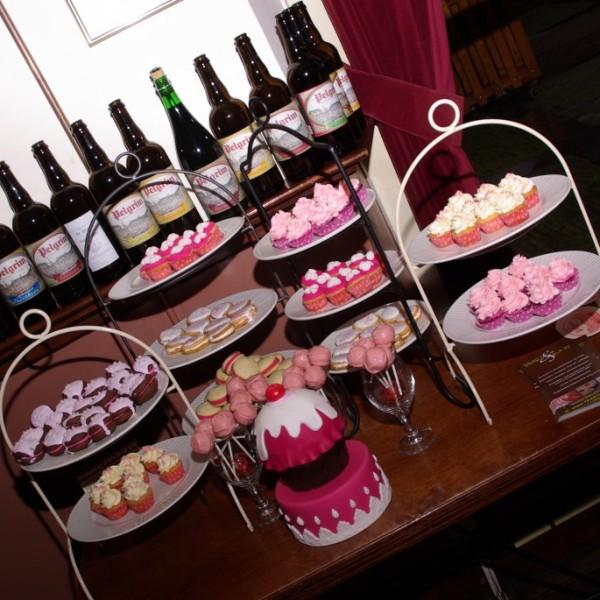 diverse mini cupcakes, whoopie pies en cakepops voor bruiloft in de pelgrim rotterdam historisch delfshaven