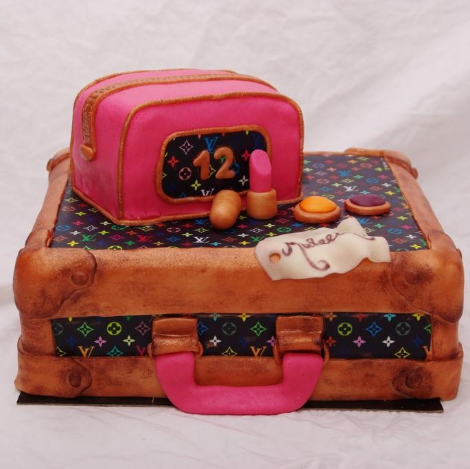 louis vuitton koffer taart (winst voor KIKA)