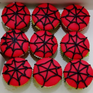 spiderman mini cupcakes