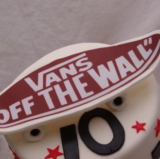 Vans off the wall taart met skateboard van fondant