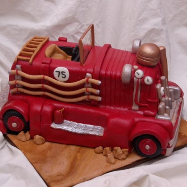 Ahrens Fox brandweerwagen taart