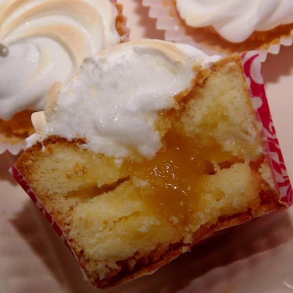 lemoncurd meringue cupcakes