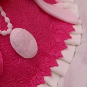 prinsessentaart met swirly cake edge