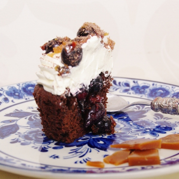 blueberry thrill cupcake
