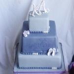 grijze vierkante bruidstaart