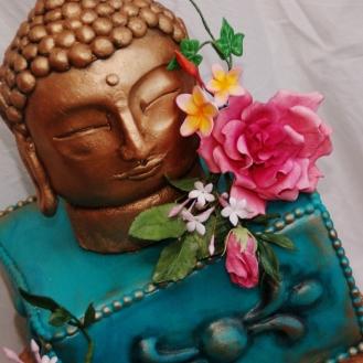 buddha taart met gumpaste bloemwerk