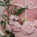 vogelkooi stapeltaart met gumpaste bloemwerk
