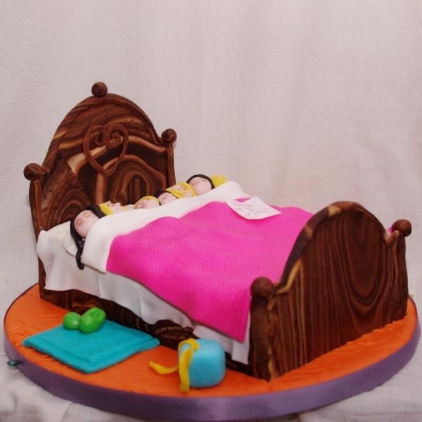 pyamafeestje / sleepover taart