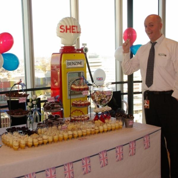 sweet table UK-day bij Shell