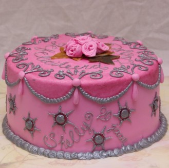 roze taart met roosjes en spuitwerk inspired by margaret braun