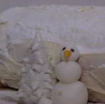 bûche in winterthema met fondant sneeuwman