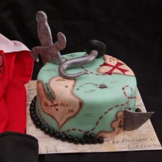 piraten taart met zwaard