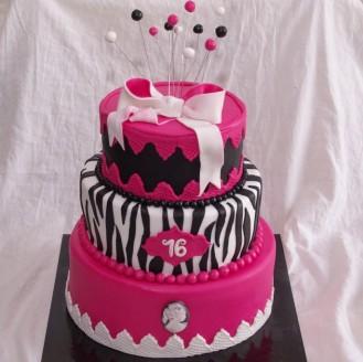 drie laags stapel taart zebra roze stapeltaart camee