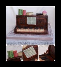 piano-met-boeken