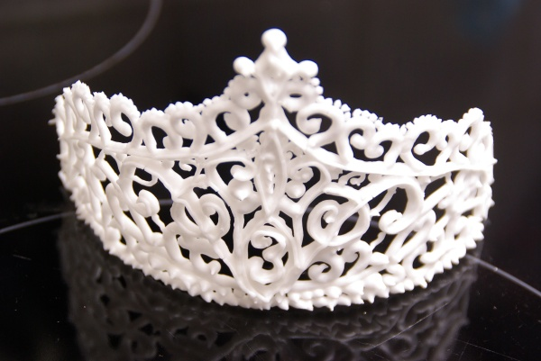 tiara gespoten met royal icing