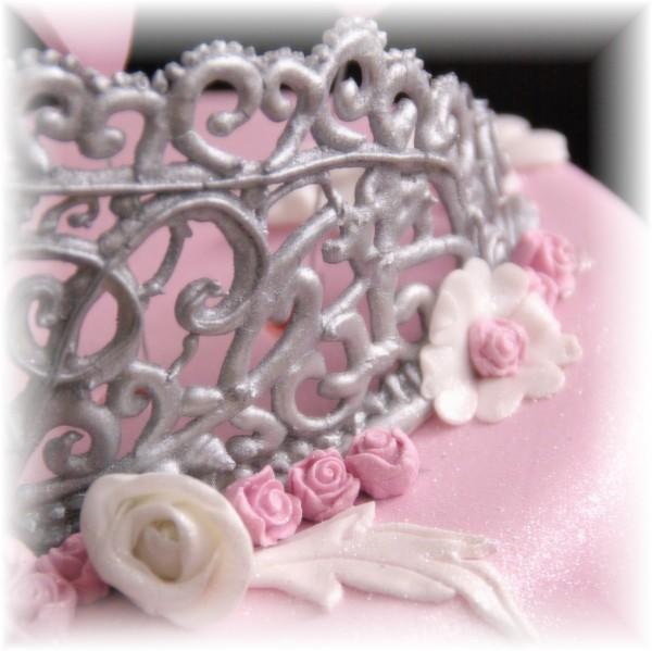 zilveren tiara gespoten met royal icing