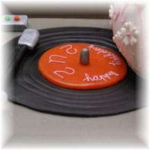 platenspeler stapeltaart met theepot taart