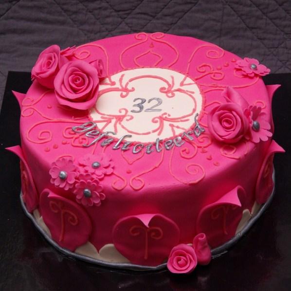 roze chocoladetaart
