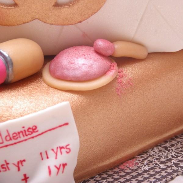 marsepein make up op chanel tas taart
