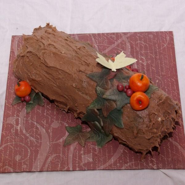 gevulde herfst bûche buusj eindejaarsactie taartenkunst bûche de noël yule log boomstam