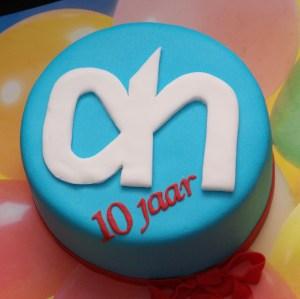 albert heijn taart voor tien jaar in dienst met ah logo