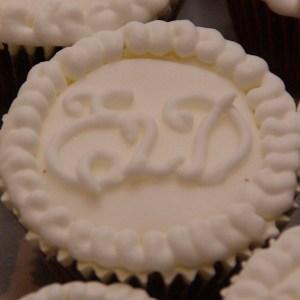 logo especially 2 day op cupcakes voor de weddingfair bruidsbeurs