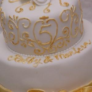 mini trouwtaartje tweelaags wit goud