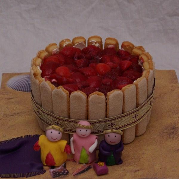 driekoningen taart 6 januari met aardbeien en lange vingers