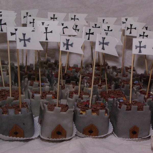 riddertaartjes traktatie kasteeltoren minitaartjes