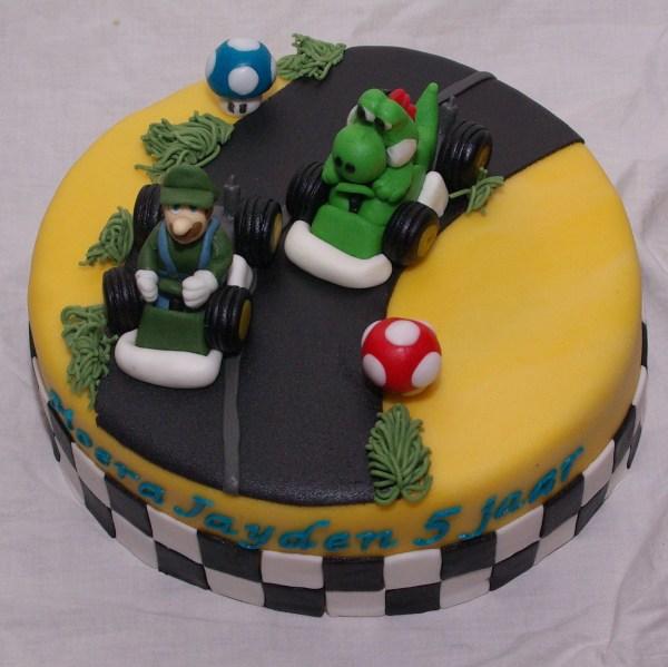super mario kart taart met luigi en yoshi