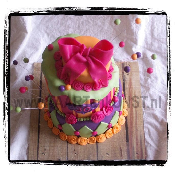 topsy turvy whimsical chocolate mudcake verjaardagstaart