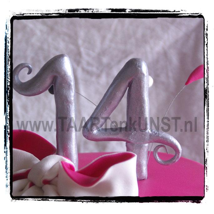 pink zebra cake 14 bosbessen mascarpone swiss merengue botercreme