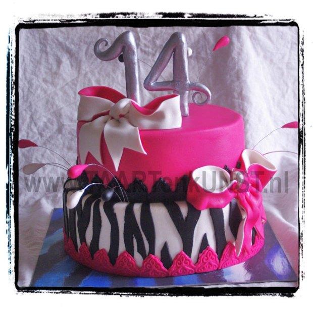 verjaardagstaart birthdaycake 14 zebra pink