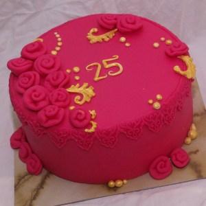 roze bloementaart met goudkleurige accenten