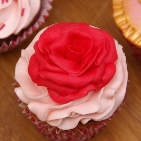 cupcake voor valentijn cupcakes workshop roos