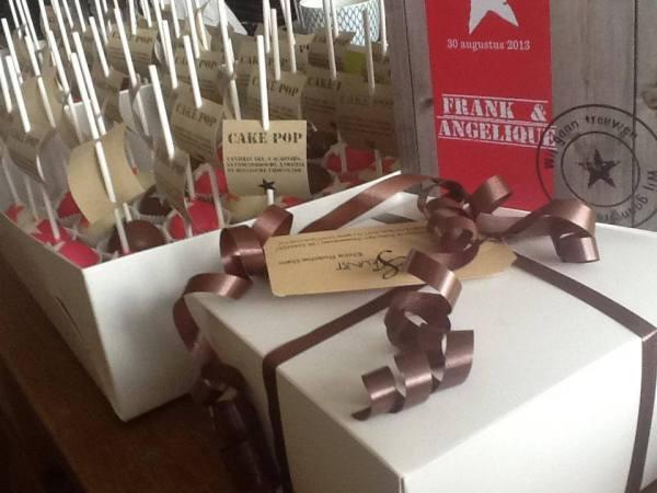 cakepops in callebaut chocolade voor bruiloft ipv bruidstaart