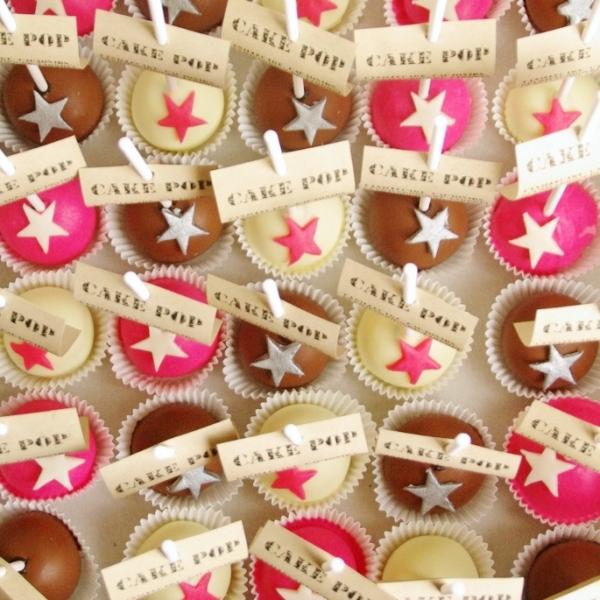 cakepops in callebaut chocolade voor bruiloft