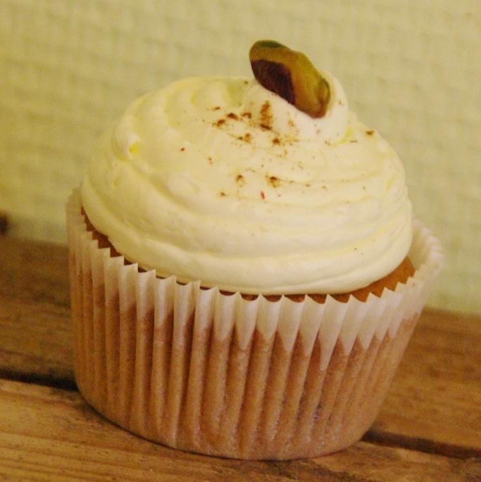 chai tea pistachio cupcake