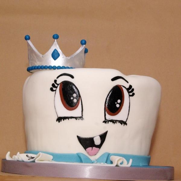 eerste tandje taart