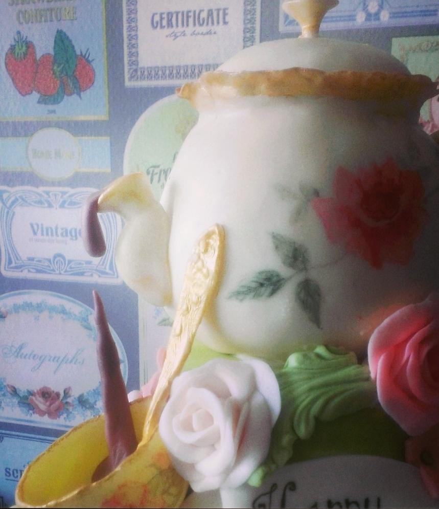 choccywoccydoodah inspired teapot cake