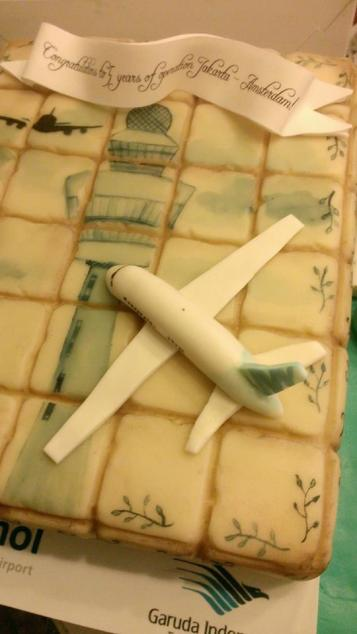 Schiphol feliciteert Garuda Airlines