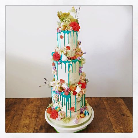 floral extravaganza weddingcake